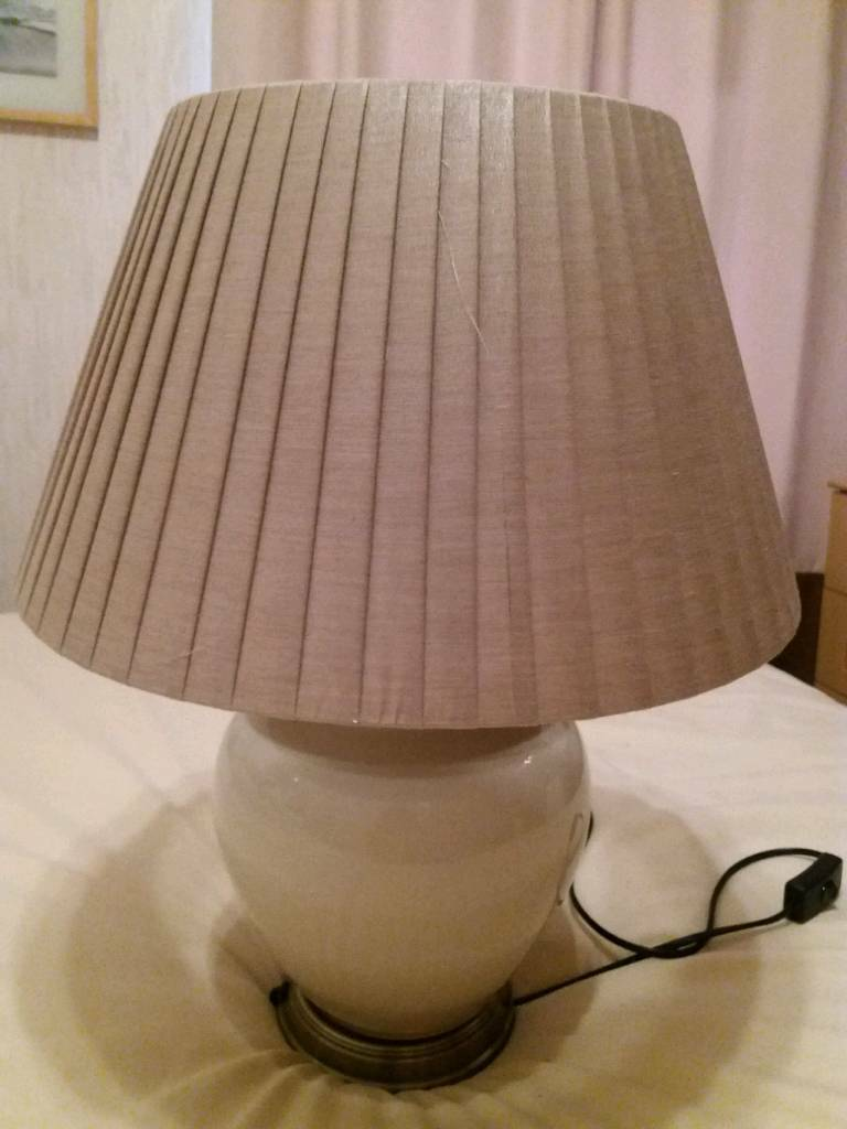 Large Cream Good Table Lamp In Whitchurch Cardiff Gumtree