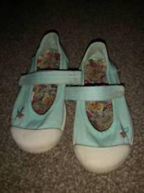 Toddler girls shoes, pumps