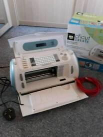 Cricut vinyl paper cutting machine