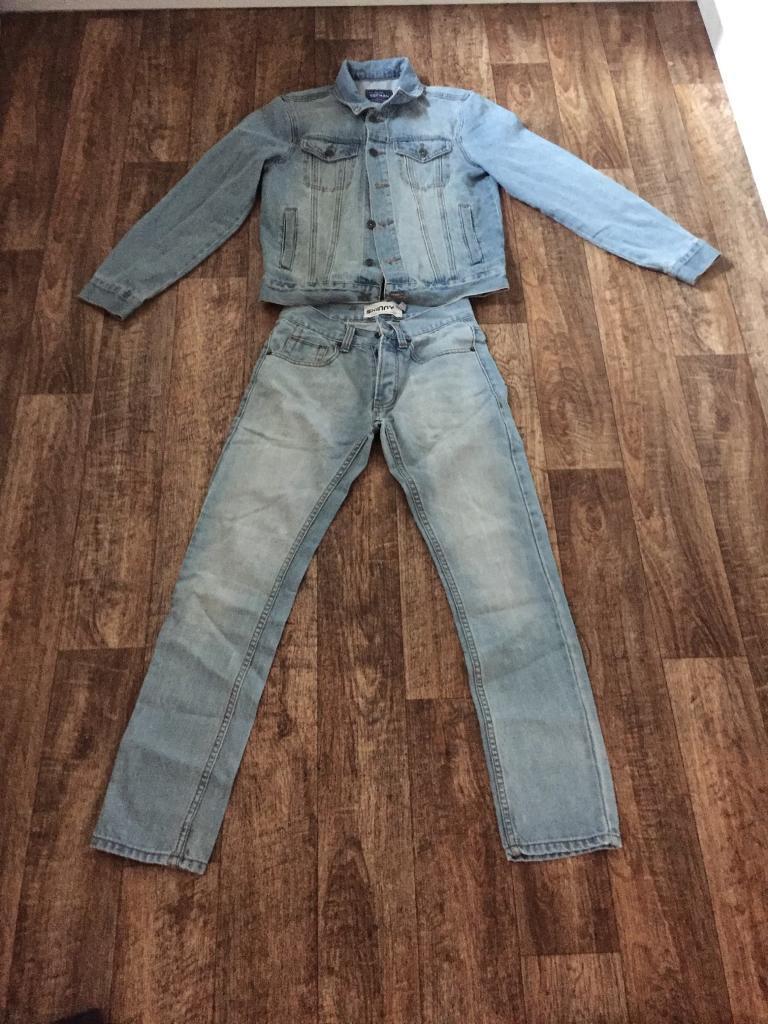 Xs skinny blue washed jeans. Small denim jacket