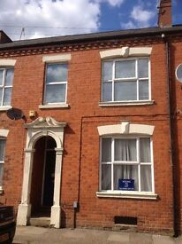 Large room in shared house far cotton Northampton
