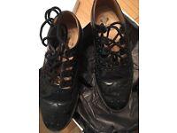 Gents kilt shoes