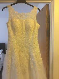 Size 14/16 wedding dress
