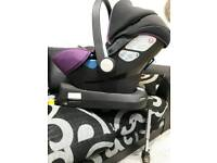 Silvercross simplicity car seat and isofix base.