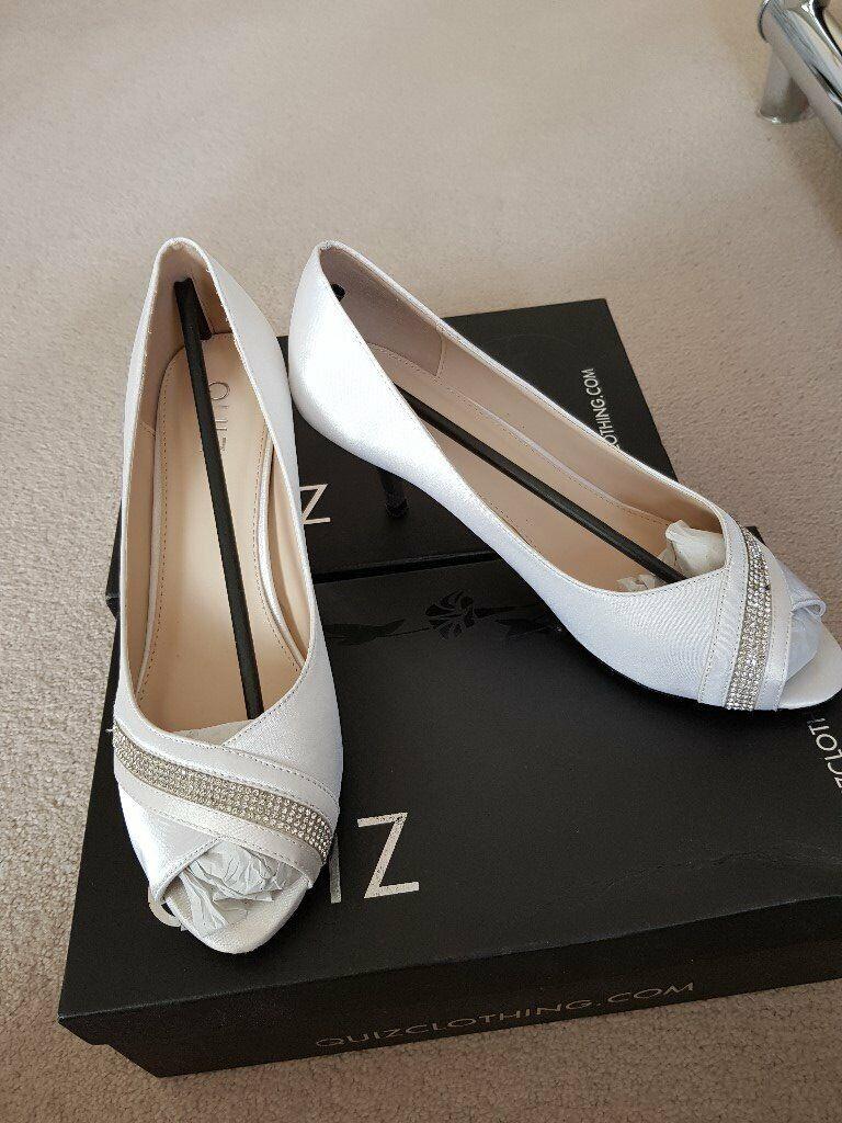 835541174d67 Size 6 White shoe with diamante stripe - Low heel