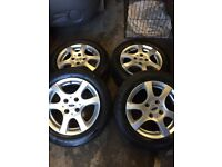 Genuine Ford Focus 6 spoke set of alloy wheels and tyres