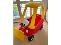 Little Tikes Cozy Coupe complete with new footplate, key, working horn & opening door.
