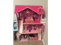 Amelia dolls house