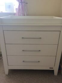 Mamas and Papas change table with drawers