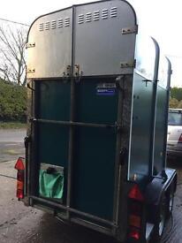 Ifor Williams hb401 single horsetrailer