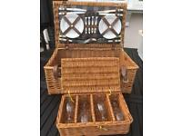 Luxury Wicker picnic basket hamper