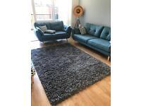 Large grey high pile rug (170x240)