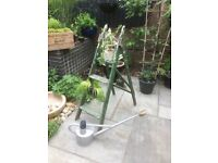 VINTAGE STEP LADDERSGarden design vintage ladders planters display