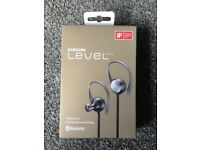 BRAND NEW SAMSUNG BLUETOOTH EARPHONES
