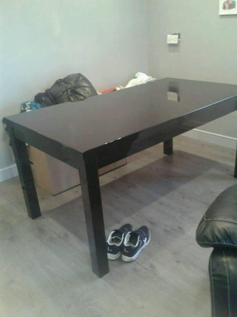 Dakota dining table high gloss black by Julian Bowen can deliver