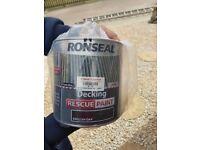 2 x 2.5L ronseal rescue decking paint