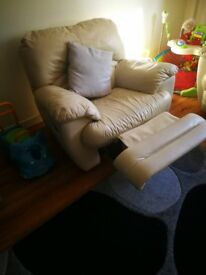 Cream leather recliners 3 2 +1 NEEDS GONE TODAY