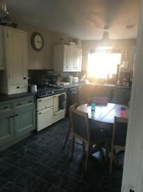 House swap 3 bedroom house in AYLESBURY bucks on offer