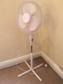 White 3-speed Oscillating Pedestal Fan - 16 Inch