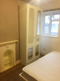 Amazing double bedroom in great location Royal Greenwich Central.