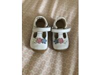 Clarks Baby shoes size 3G