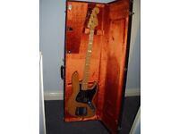 Fender USA '75 Reissue Jazz Bass & Case