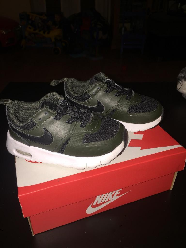 5f13bfd9254 Nike Air Max Vision Trainers infant size 5.5