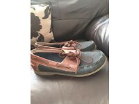 men's boat shoes from TU as new size 9