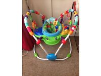 Baby bouncer/activity centre