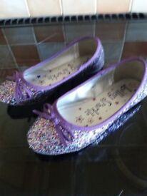Girls multicoloured flat shoes