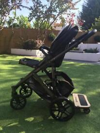 Uppa Baby Vista Travel System in Jake Black
