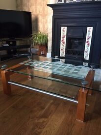 High quality glass coffee table for sale in as new condition
