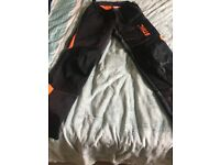 Stihl chainsaw trousers for sale ! Like new