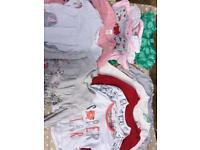 Bundle of clothes 6-9 months