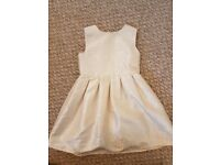 Beautiful girls ivory dress age 4-5 great party dress or for bridesmaid