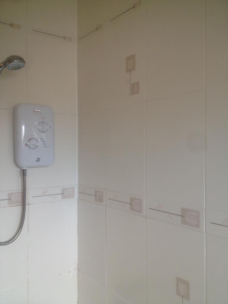 Free Bathroom Tiles Free Bathroom Tiles In Stockton On Tees County Durham Gumtree
