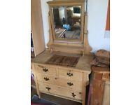 Lovely Pine dressing table