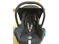 Maxi Cosi Car Seat with IsoFix Base RRP £280