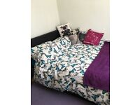 Lift up double bed