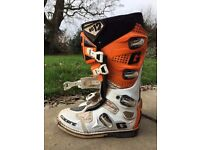 Gearne SG12 MX Boots