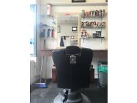 BARBER CHAIR TO RENT! £75 PER WEEK. All bills included