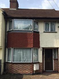 Three bed house to let in Worcester park KT4