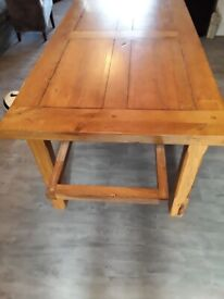 Heavy & very sturdy wooden dinning table