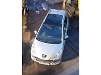 BARGAIN !! NEW PRICE Peugeot 207 SW 1.6 diesel 5dr,Silver/black mot,full hist.panoramic glass roof.
