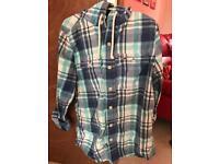 Hollister hooded shirt (Medium)