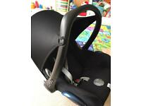 Good condition maxi-cosi cabriofix 0-12 months 0+