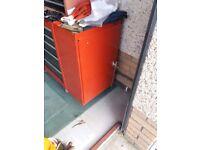 Roller cabinet and side locker
