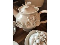 Lovely vintage tea set for sale