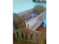 Mamas and Papas 2 in 1 cot and bed with mamas and papas mattress