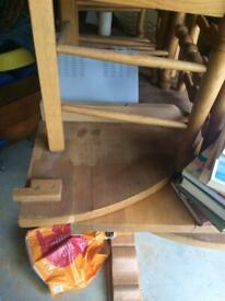 Oak table very good condition